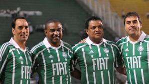 Edmundo, Sampaio, Tonhão e Alexandre Rosa estiveram juntos em campo naquele dia
