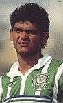 Edinho enfrentaria o clube em que foi revelado.
