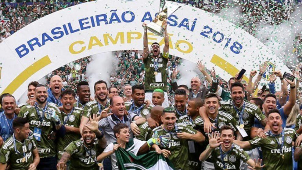 Palmeiras-campeão-brasileiro-2018-comemoração-Fabio-Menotti-990x556